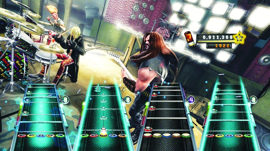 Attached Image: 06-05 GuitarHero5.jpg